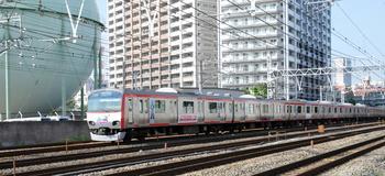 0518ウルトラマン電車.jpg